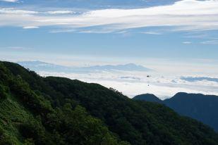 遠くに見えるのは八ヶ岳?